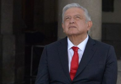 """AMLO lamenta el fallecimiento de René Juárez Cisneros; """"fuimos adversarios pero no enemigos"""""""