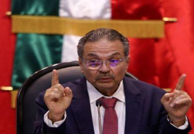 Octavio Romero niega nepotismo en Pemex, llama mentirosa a diputada priista